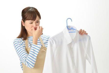 生乾き臭に悩む主婦