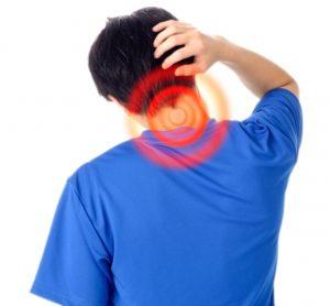 首が痛い人写真