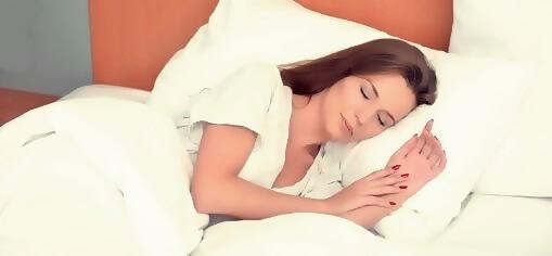 よく眠っている女性