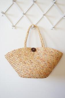 自然素材のバッグ