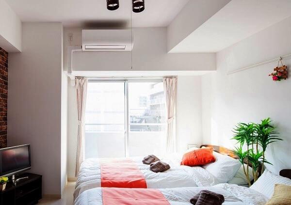 マンションの寝室